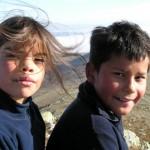 Sidney og Eirik har tatt turen til toppen av Gråhø.